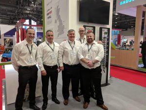 team-on-stand